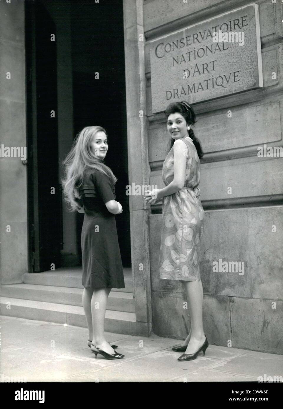 Jun. 25, 1963 - The two exceptions at the Conservatory's Yearly exams: Yearly exams of French Conservatoire National D'Art dramatique will take place during the first daus of July. 15 women will take part, two of them as rare exceptions, as a traditional rule says that only 2nd and 3rd year candidates are presented. But this year there will be two young girls of the 1st year: Claire Vernet and Annie Sinigaglia. The first is Louis Seigner's Pupil and will appear as Celimene, from the Misantrhope, the second Robert Manuel's pupil will present Camille from on Ne Badine Pas Avec L'Amour - Stock Image
