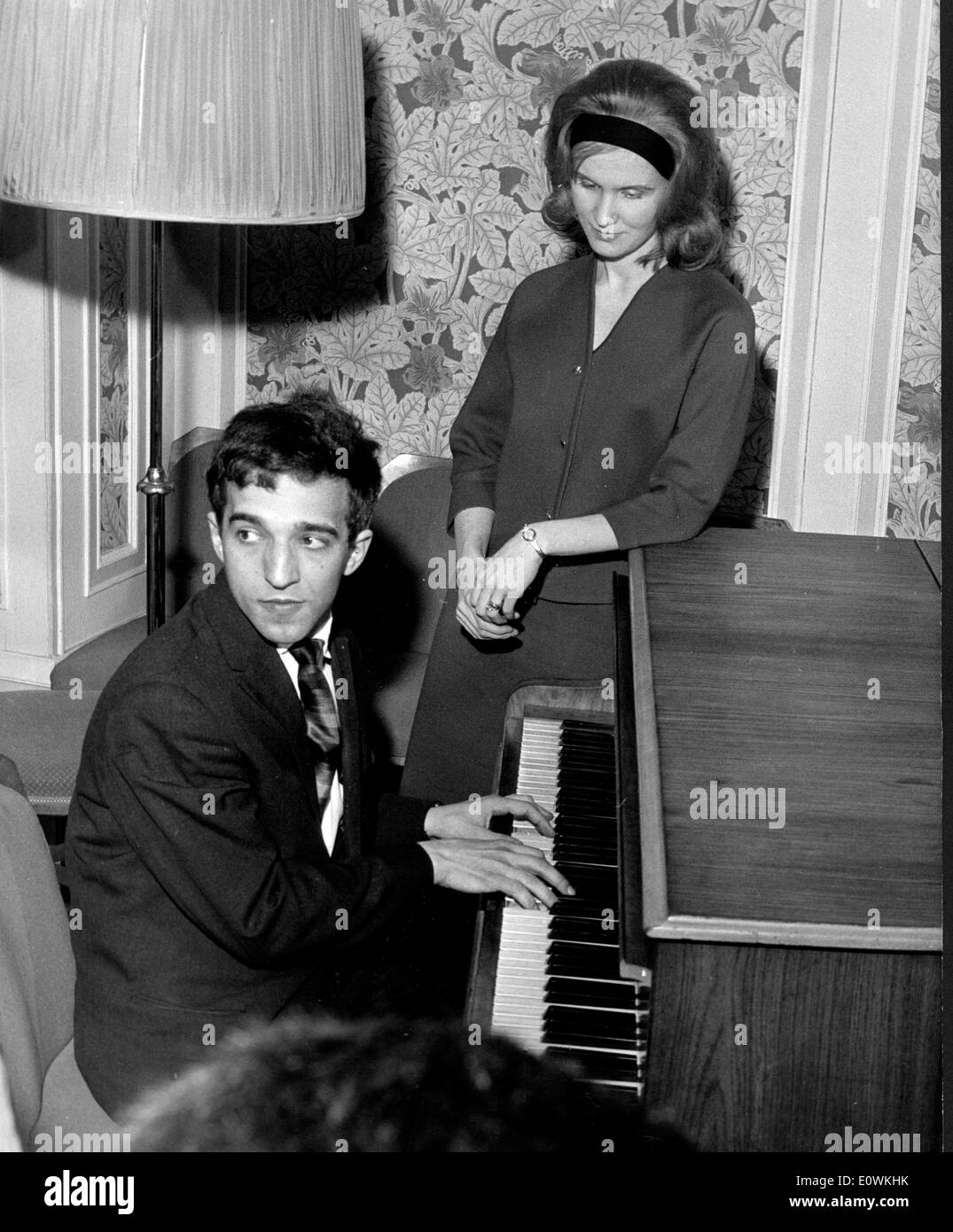 Russian pianist Vladimir Ashkenazy giving a small recital for the press - Stock Image