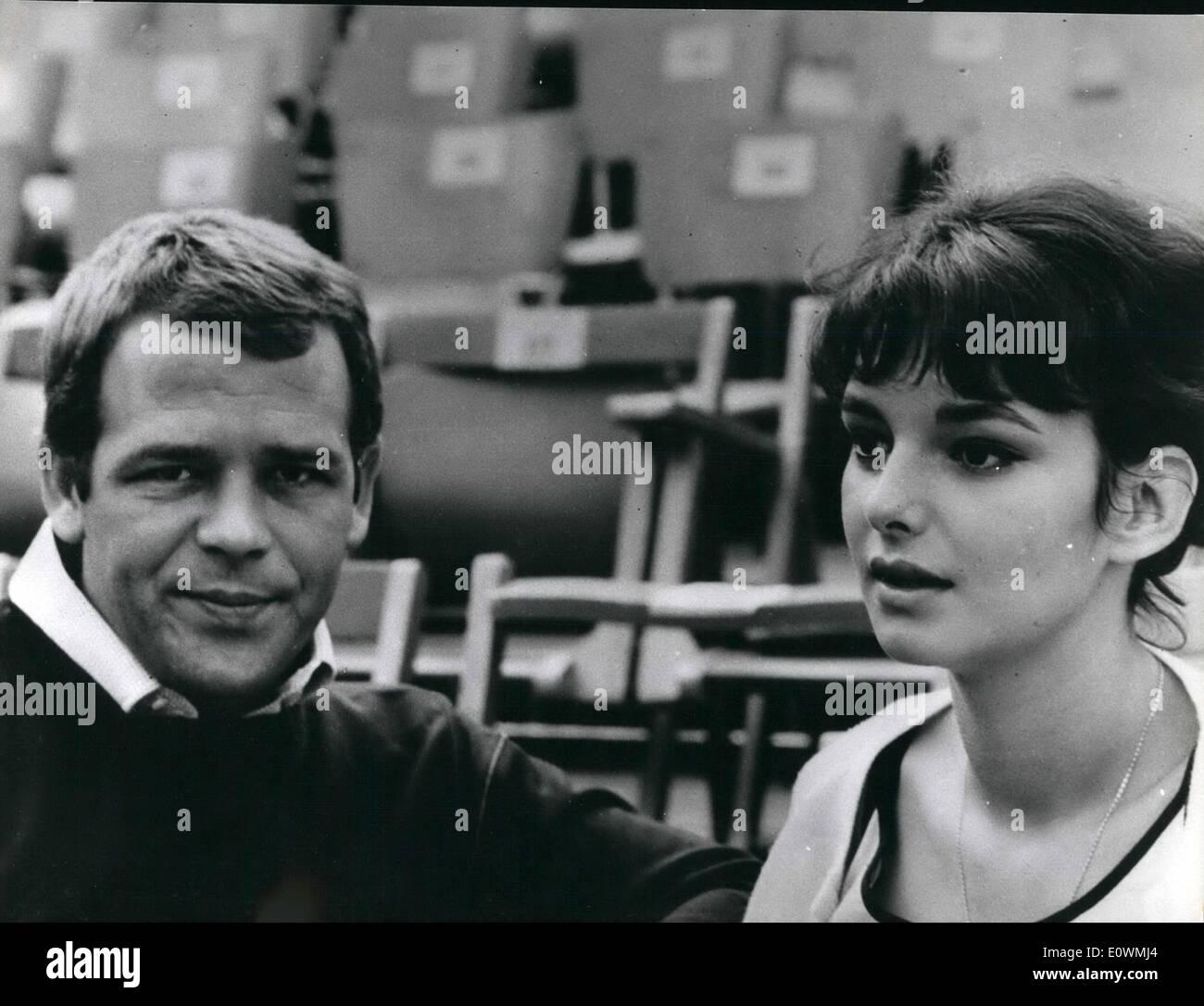 09, 1963 - Renato Salvatori has been chosen by director Gragoretti as best  actor in ''O~icron'' a film of ''fantascienza''