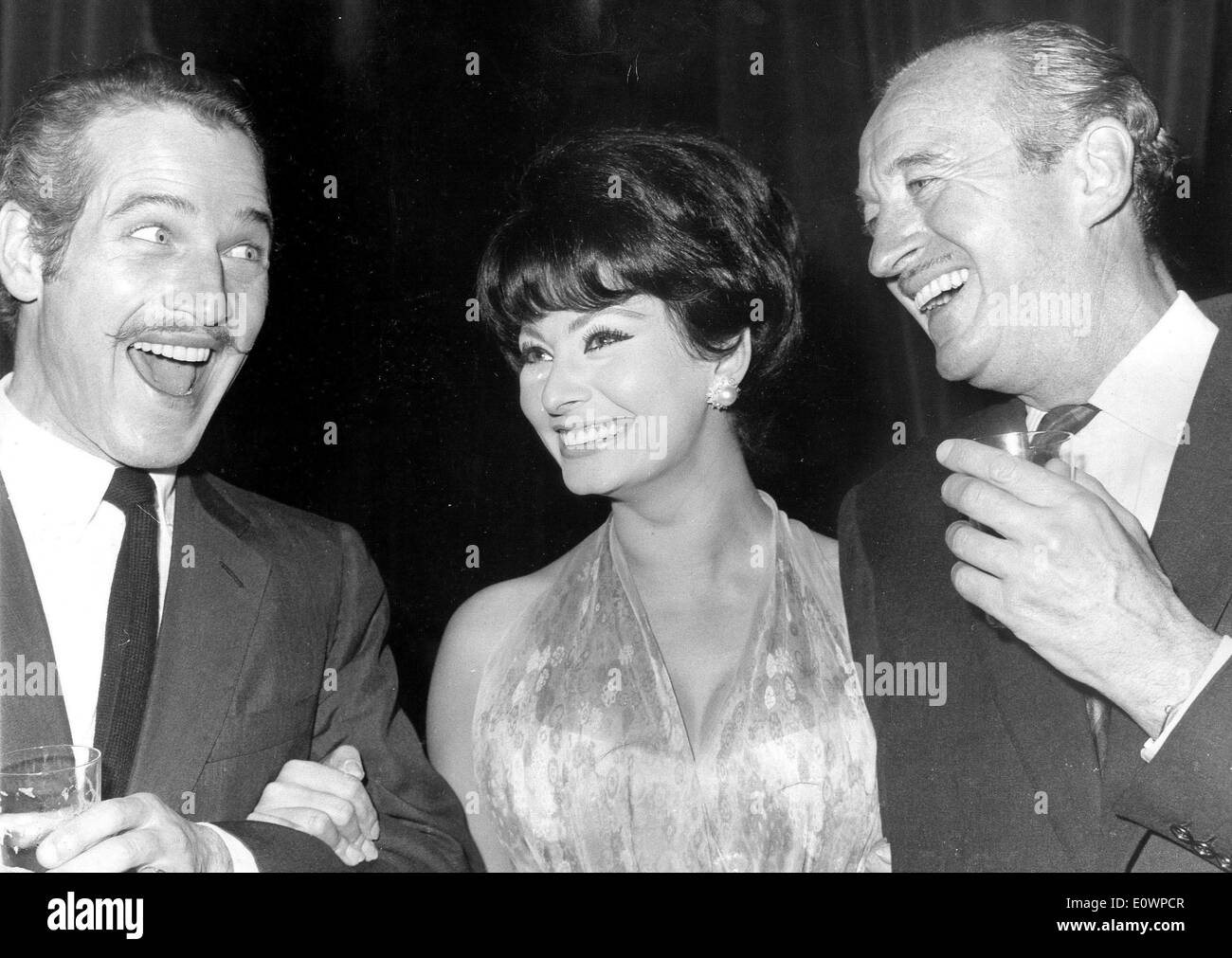 Actor Paul Newman with Sophia Loren and David Niven at opening night of 'Lady L' - Stock Image