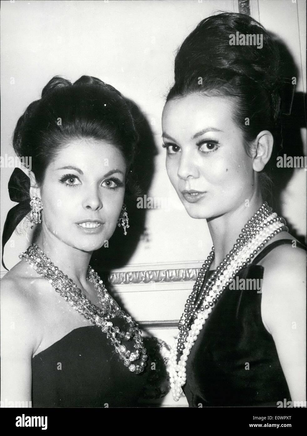 Jan. 18, 1964 - Models Wear Bohemian Jewelry Czechoslovakian Embassy in Paris APRESS.c - Stock Image
