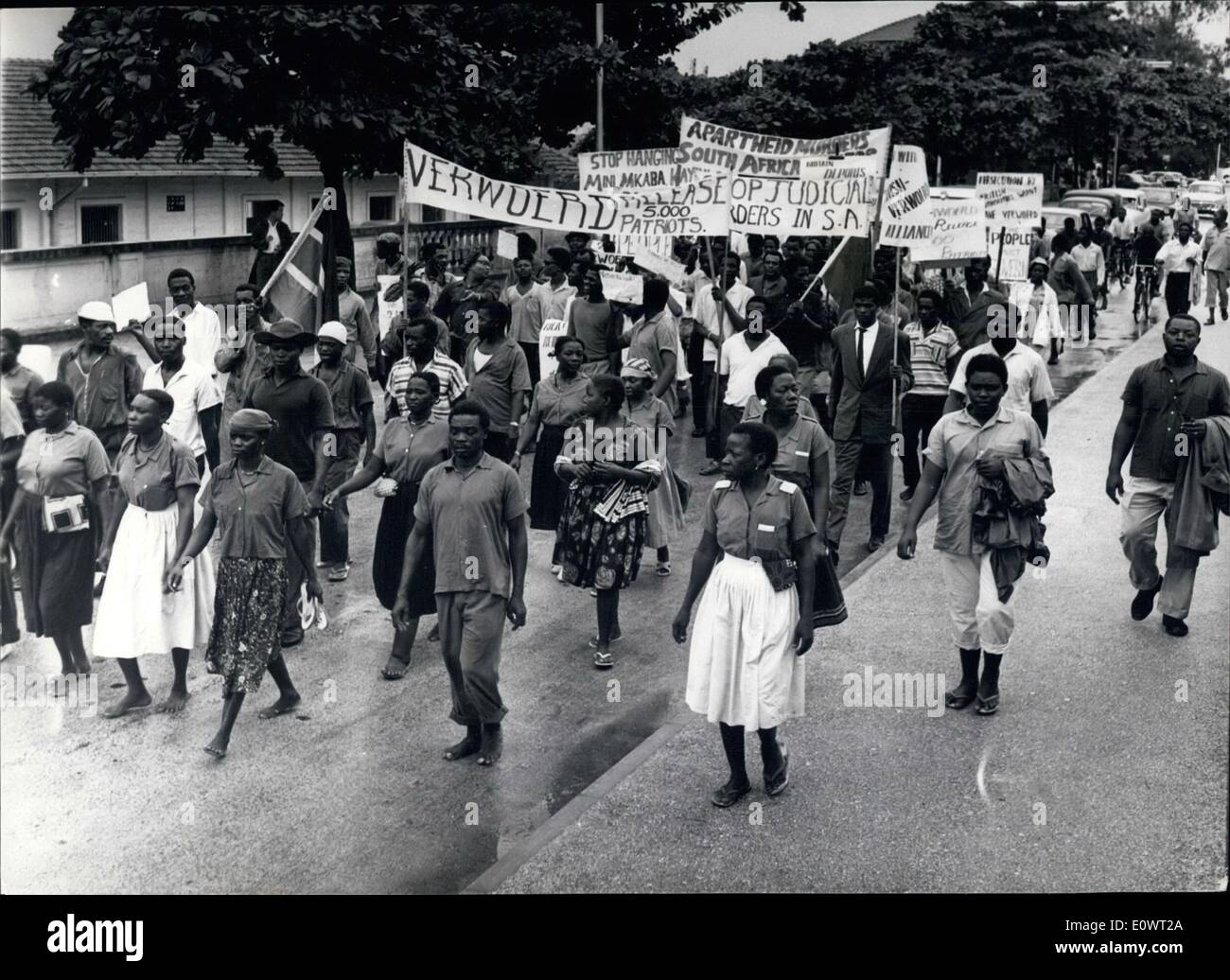 Apr. 04, 1964 - South Africans demonstrate against apartheid in Dar Es Salaam: About two hundred members of various - Stock Image