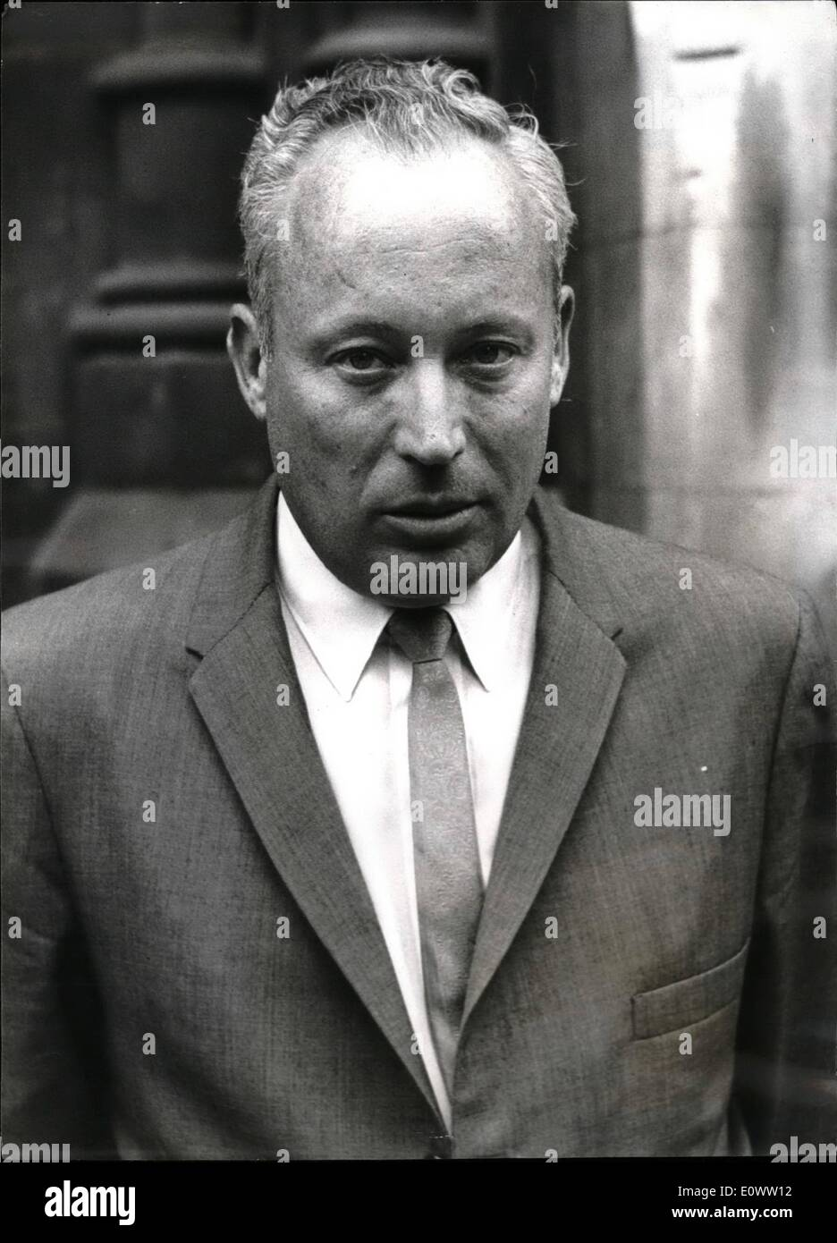 Apr. 16, 1964 - 16-4-64 Author of Exodus sued for libel. Leon Uris, author of the best-selling book Exodus flew in to London from America to give evidence in the High Court, where he is being sued for libel by Dr. Wladyslaw Dering, a former Auschwitz prisoner and surgeon, now practicing in London. Dr. Dering claims the statement in the book that he performed 17,000 experiments in surgery without anesthetics, make him appear a human monster on a par with the German fiends, whereas he was doing all in his power to relieve suffering among the prisoners. Photo Shows: Author Mr - Stock Image