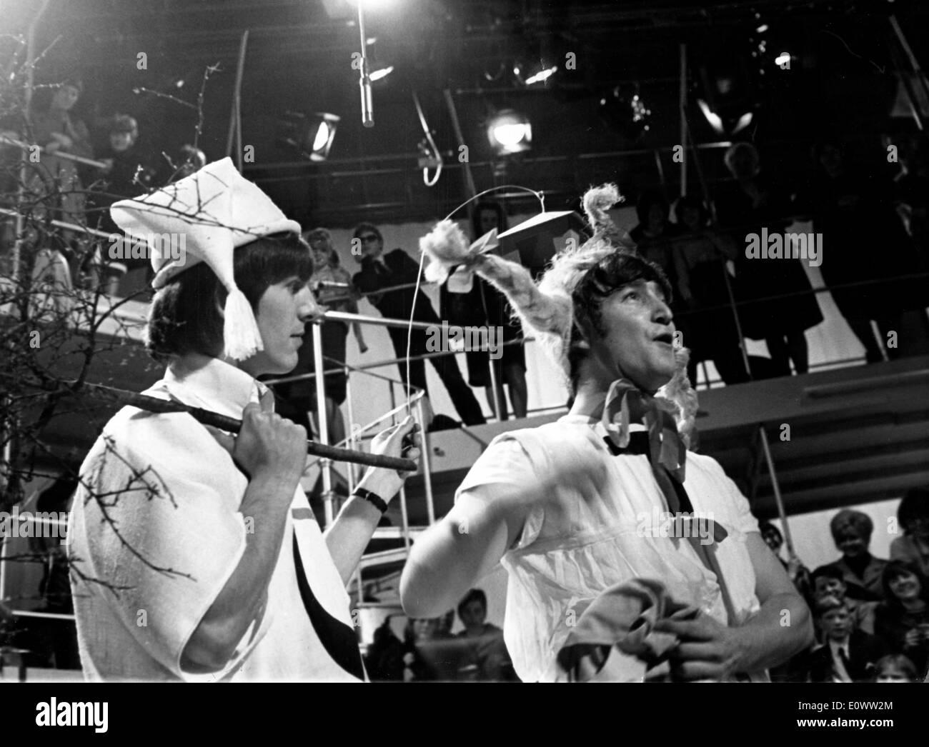 George Harrison and John Lennon in Shakespeare - Stock Image