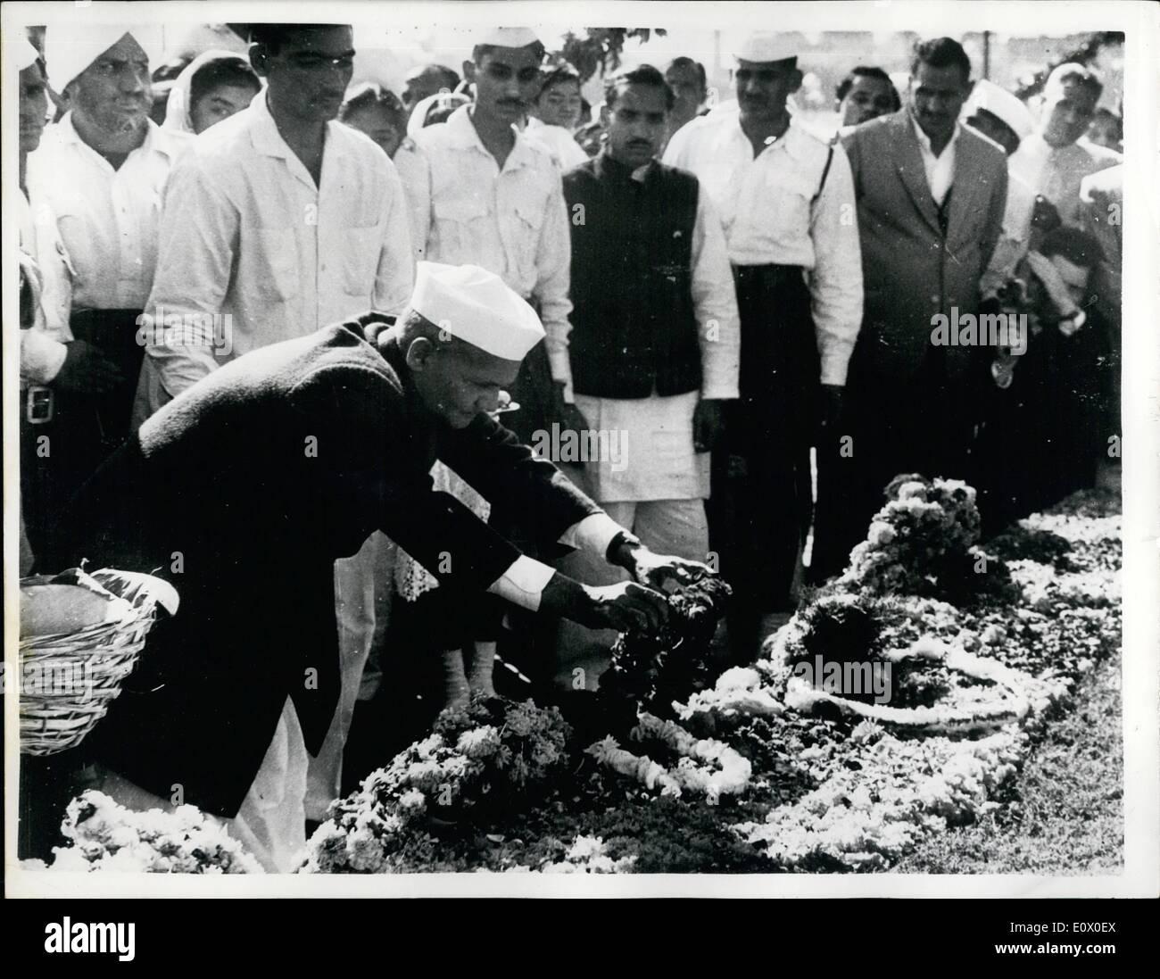 Nov. 11, 1964 - India Commemorates 75th. Anniversary Of The Birth Of Mr. Nehru: Mr. Lal Bahadur Shastri - India's Stock Photo
