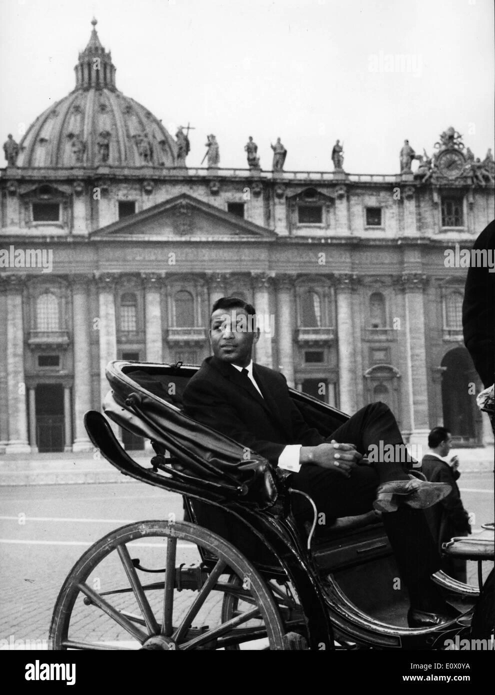 Boxer 'Sugar' Ray Robinson on a tour around Rome - Stock Image