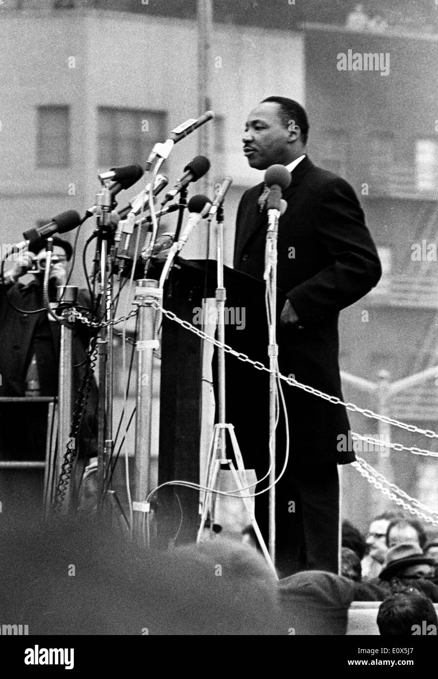 Martin Luther King Jr Giving A Speech In New York City Stock Photo