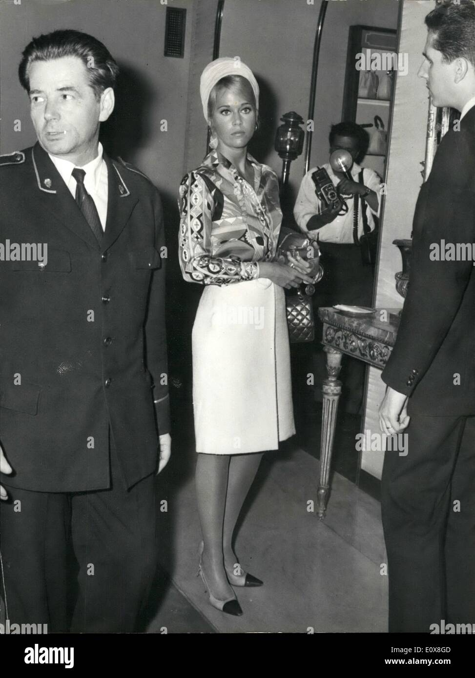 Aug. 08, 1965 - Rome-8/9/65- The American actress Jane Fonda is in this days in Rome to sign a contract with Italian Stock Photo
