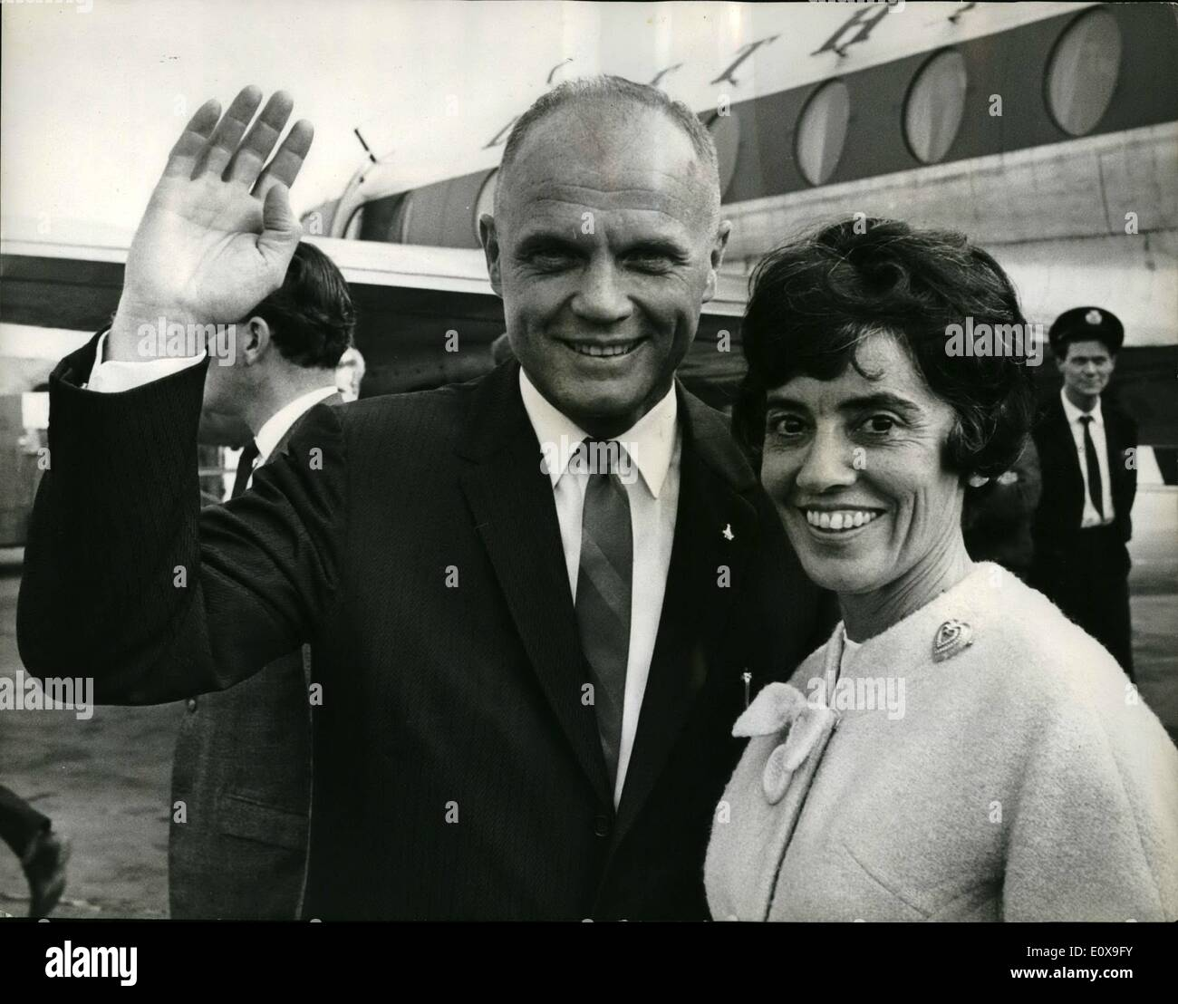 Oct. 10, 1965 - The spaceman who went by plans and arrived late : Astronaut John Glenn and his wife flew into Britain yesterday. But not without some difficulty. Their journey from Hamburg, in Germany, took them nearly 10 hours, which was five hours longer than it took colonel Glenn to fly three times around the earth in his space capsule in 1962. The Glenn's were aboard a viscount airliner which was unable to lend at London airport because fog had caused a pile-up of planes waiting to land. The plane returned to hamburg and took off again for London several hours later. This time i landed - Stock Image