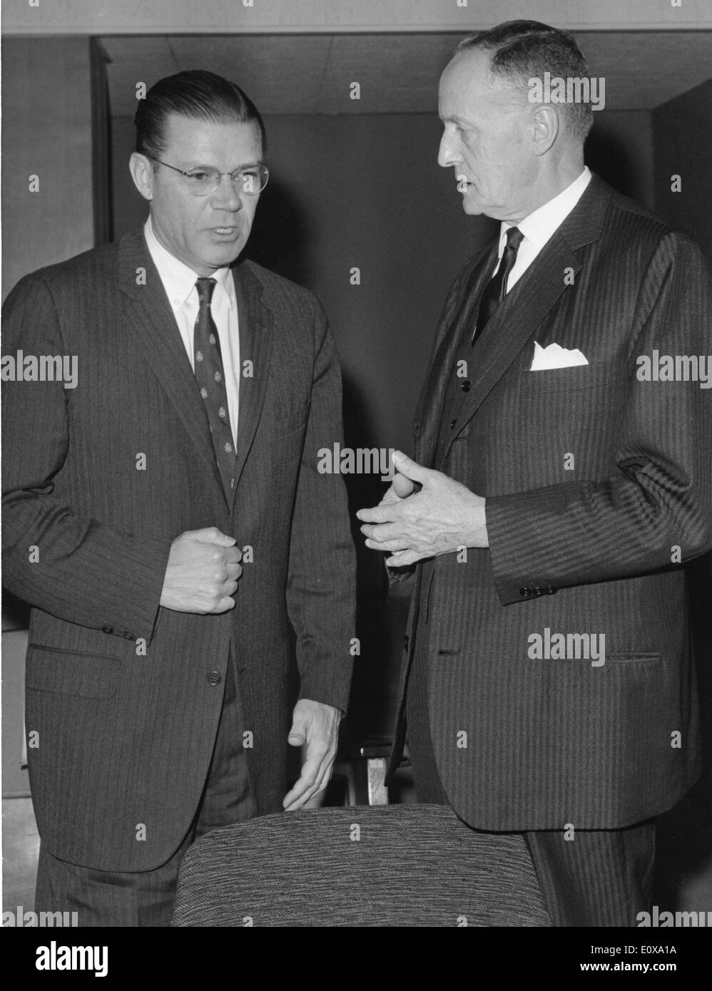 ROBERT MCNAMARA, (L) the United States Secretary of Defense, with MANLIO BROSIO at the Palace at the Parliament of Dauphin. - Stock Image