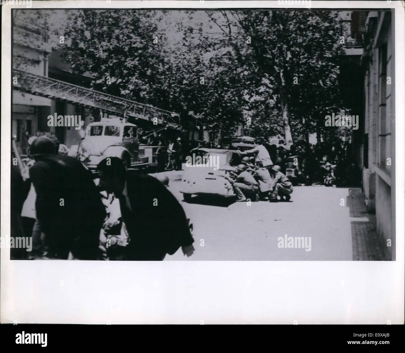 Nov. 11, 1965 - Uruguayan Police and Passers by Jumping for cover in gun Battle with are Gangsters. ne Pi - Stock Image