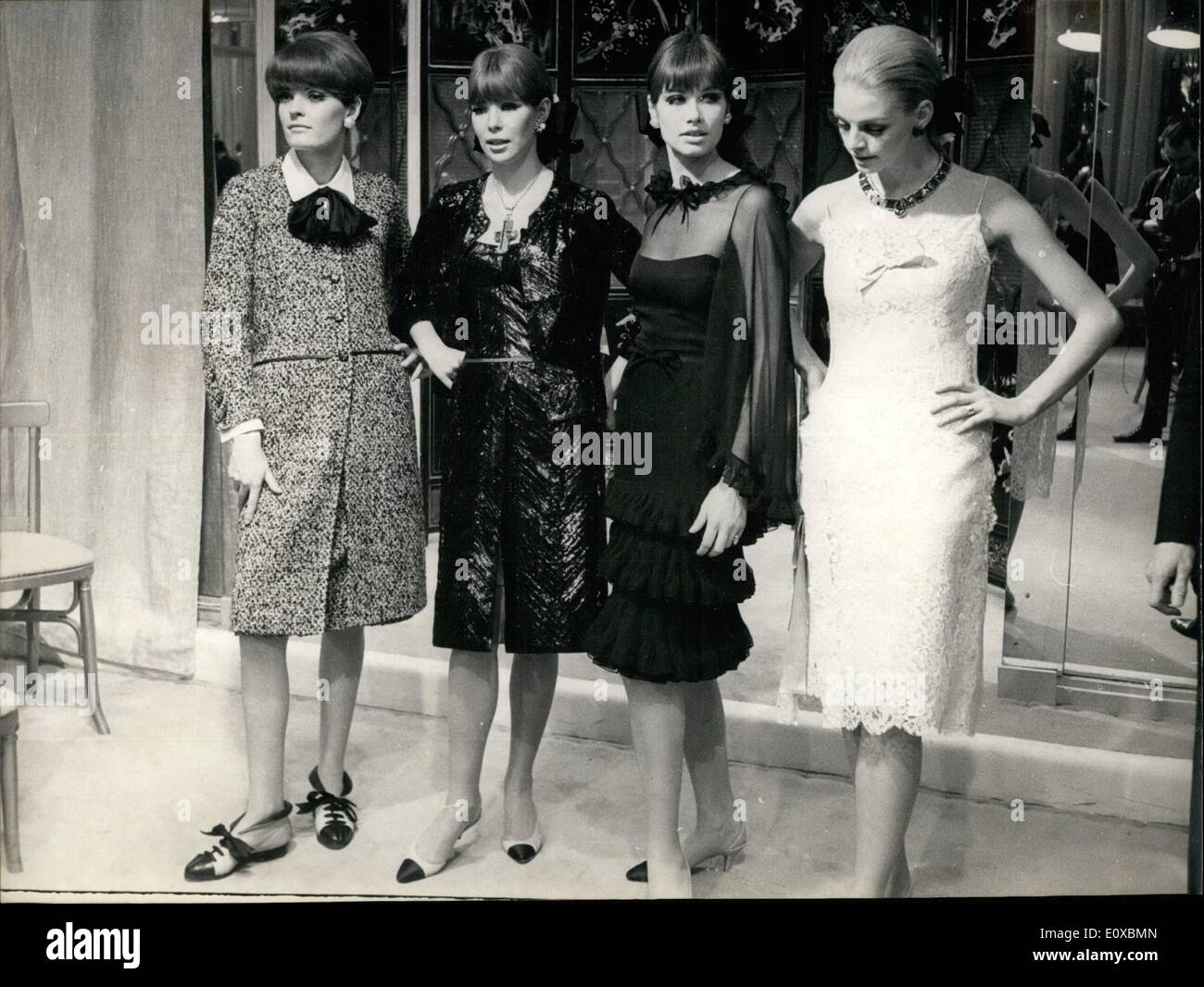 feb 02 1966 fashion show at coco chanel 39 s photo shows stock photo 69421429 alamy. Black Bedroom Furniture Sets. Home Design Ideas