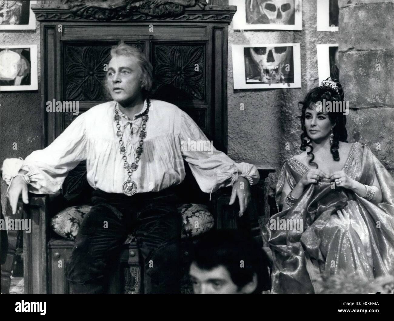 Aug. 08, 1966 - Rome: The Original History Of Doctor Faust Richard Burton and Liz Taylor held a press conference for the start of the film ''The tragical history of Doctor Faust'' - retold from Christopher Marlowe a play written in the year fifteen hundred and eighty-eight, when all men believed in God. and though you could strike a bargain with the Devil - The film is produced and directed by Richard Burton and Richard will be Dr - Stock Image