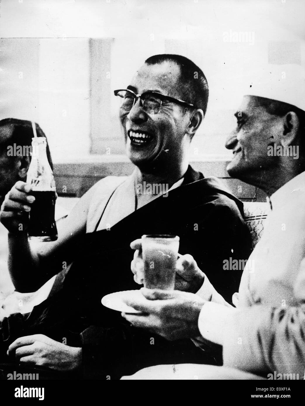 The 14th Dalai Lama and Biswanath Das relax together - Stock Image
