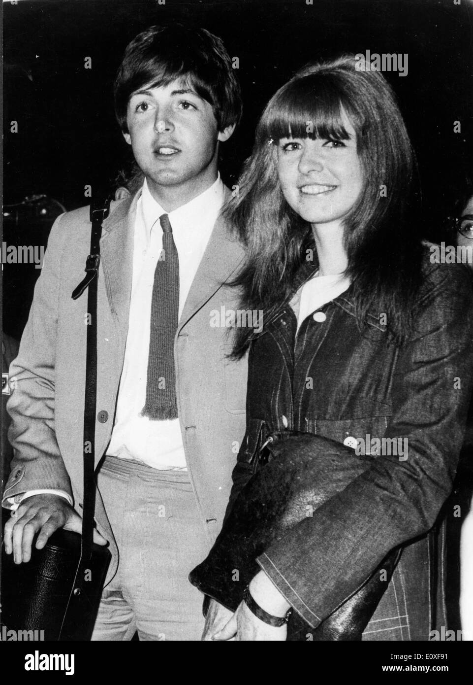Paul McCartney Announces Engagement To Jane Asher
