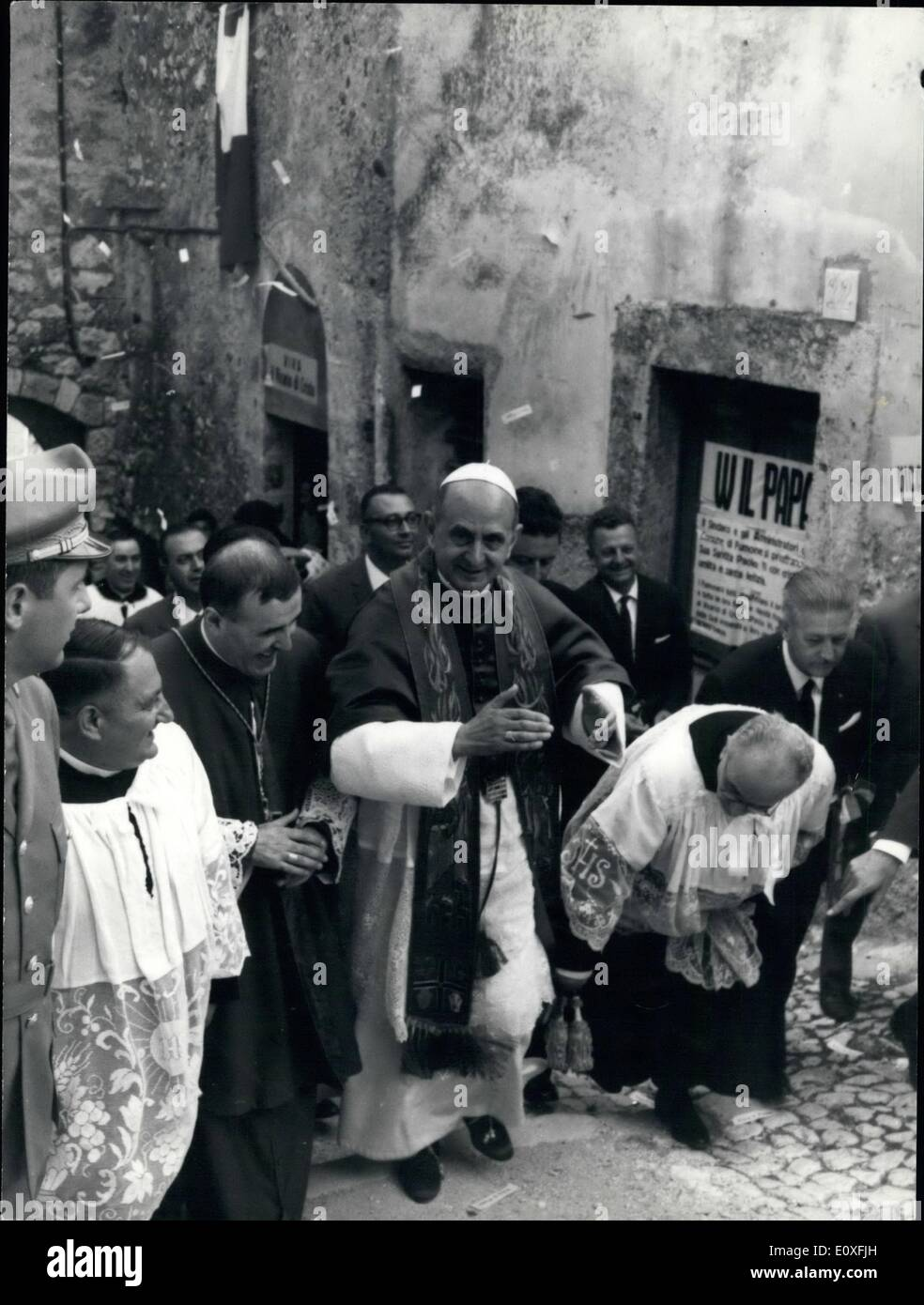 Sep. 09, 1966 - Rome: 1 Sept 1966. Pope Paul VI made a pilgrimage to Monte Fumone south of Rome to pay homage to the only Pope who never abdicated. Pope Paul VI visited today the shrine maintained in the castle to Saint Pepet Celestine, who was imprisoned and died in the castle on 19th of May 1296 after abdicating as Pope Celestine V. Pope Paul VI made the pilgrimage from his summer residence at Castel Gandolfo. Monte Fumone is about 50 miles south of Rome on the edge of the Abruzzi hills where Saint Peter Celestine was Benedictine hermit monk before he was elected in 1294 - Stock Image