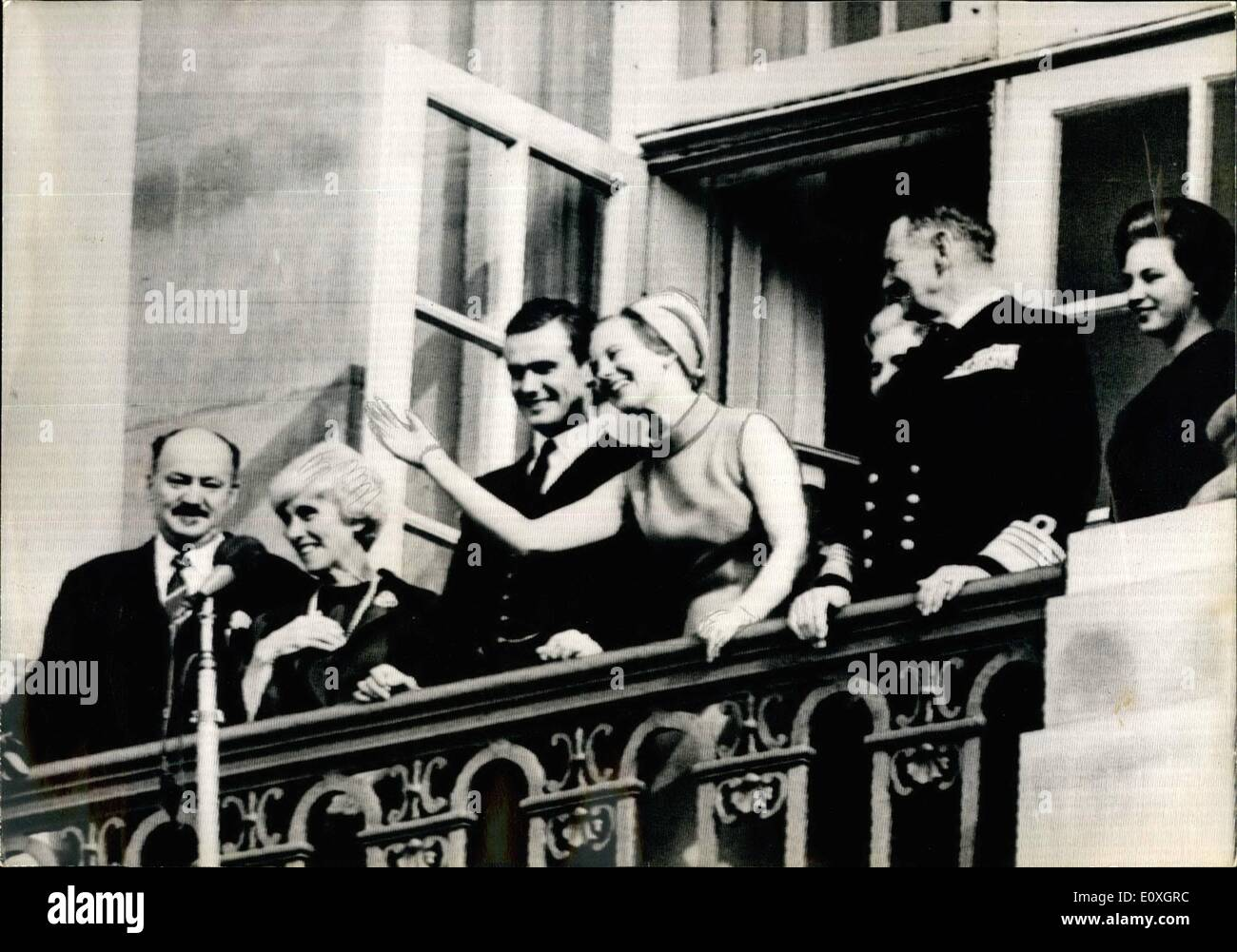 Oct. 10, 1966 - Official Announcement of Princess Margarethe's engagement: The official announcement of the engagement of Princess Margarethe, Heiress to the Dutch throne, and the French count Henri De Monpezat took place in Copenhagen today. Photo shows on the balcony of the Amalienborg Castle from left to right: Count and Countess De Monpezat, Bridegroom's parents, Count Henri and Princess Margarethe, King Frederick, Queen Ingrid (half hidden) and Princess Benedikte. - Stock Image