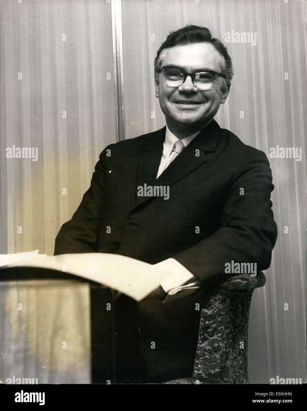Jan. 01, 1967 - New C.W.S. Chief executive: Mr Philip M. Thomas 42, was appointed to the post as the new first Chief Executive of the C.W.S. Headquarters Present St  Photo shows Mr Philip M. Thomas 42, the new Chief Executive of the C.W.S. - Stock Image