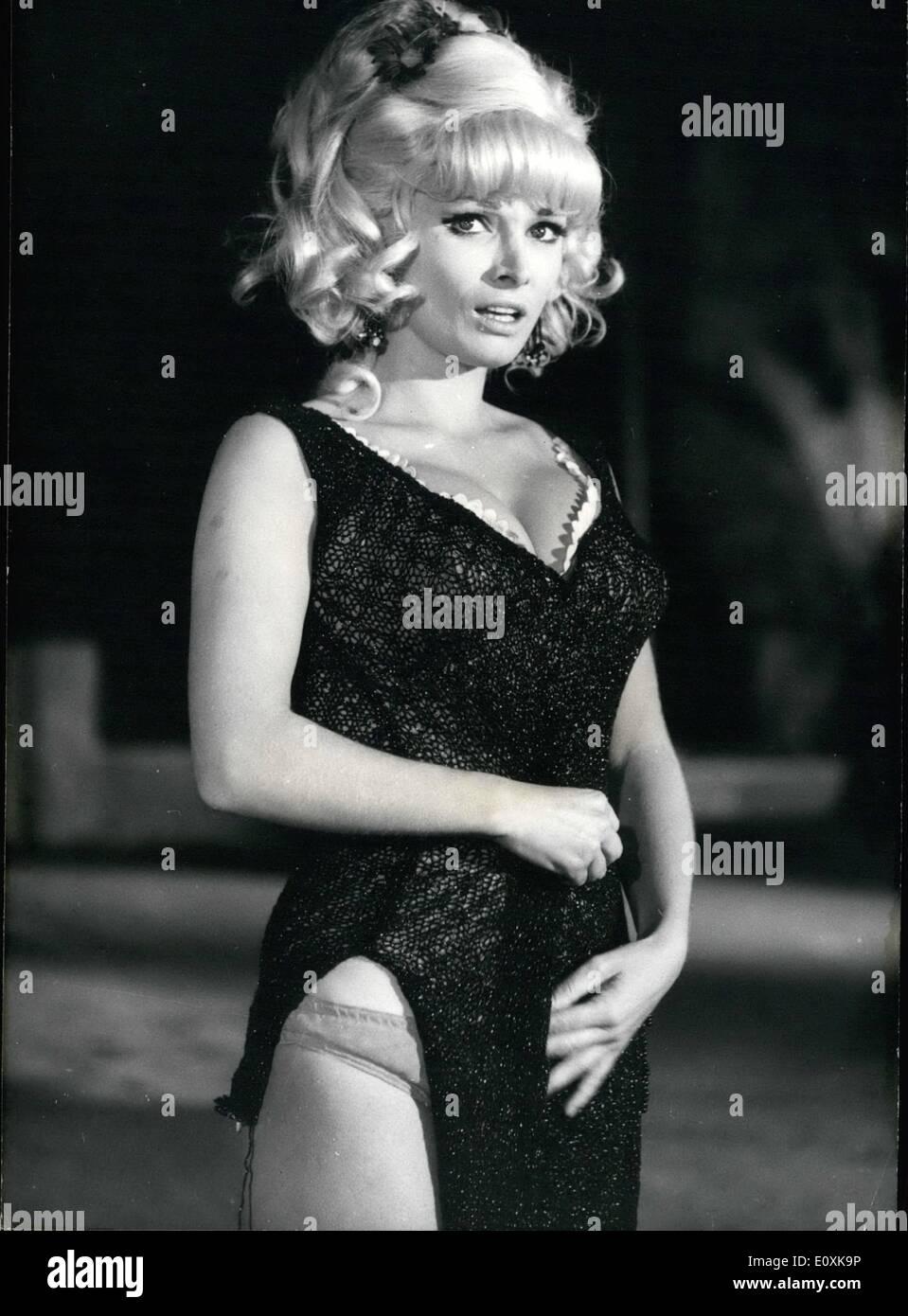 Aida Folch Nude Photos 91