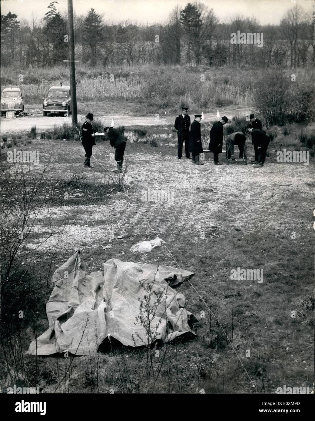 Apr. 04, 1967 - Hunt for Maniac killer of two 10 year old girls in the Berkshire village of Beenham: Two 10 year Stock Photo