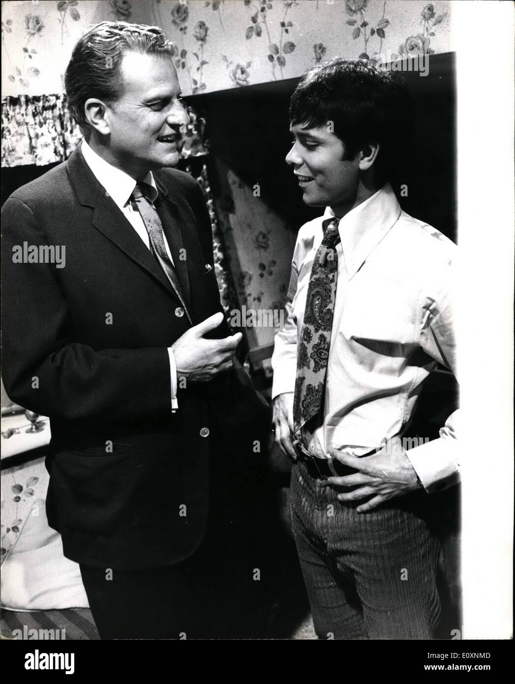 Jun. 20, 1967 - Evangelist Billy Graham visits the set of the new Cliff Richard film ''Two a Penny'': Evangelist Stock Photo