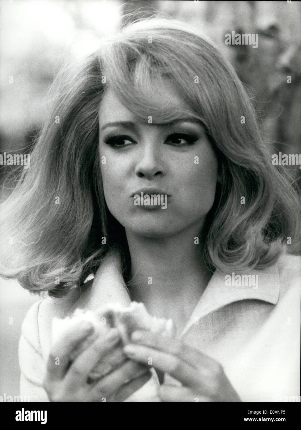 May 05, 1967 - Blonde actress Margaret Lee, 24 from London, is now filming ''Dorellik'', the personage of a television show starring with Johnny Dorelli. Margaret was nicknamed ''grape'' and so she is well know to her fans. Margaret come in Italy on 1963, the same evening of her arrival she knew her future husband Gino Malerba. Now they have a children, Robert, 3. Margaret has alternated cinema and television - Stock Image