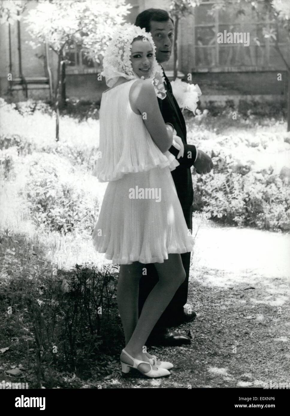 May 05, 1967 - Blonde Actress Margaret Lee, 24, from London, is now filming ''Dorellik'', the Personage of a television show starring with Johnny Dorelli. Margaret was nicknamed ''grape'' and so she is well known to her fence Margaret come in Italy on 1963. the same evening of her arrival she knew her future husband Gino Malerba. Now they have a children, Robert, 3, Margaret has alernated cinema and television - Stock Image
