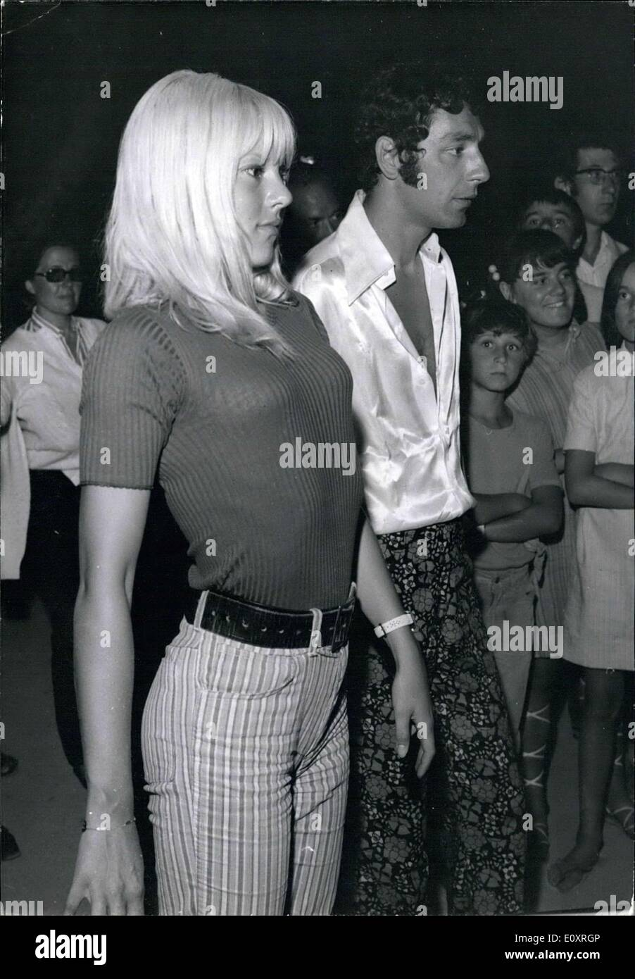 Sylvie Vartan High Resolution Stock Photography And Images Alamy