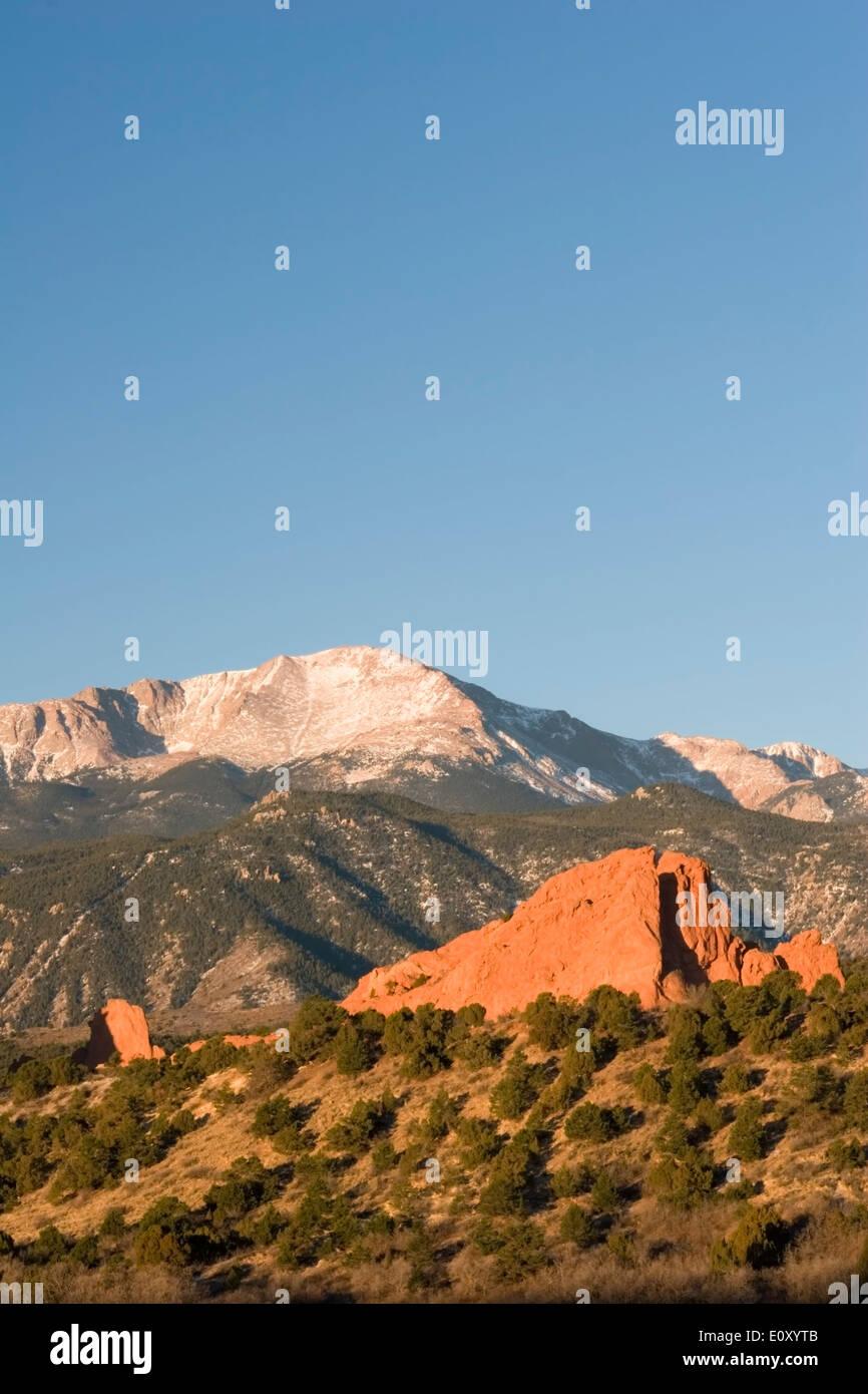 Garden of the Gods and Pikes Peak (14,110 ft.), Colorado Springs, Colorado USA - Stock Image