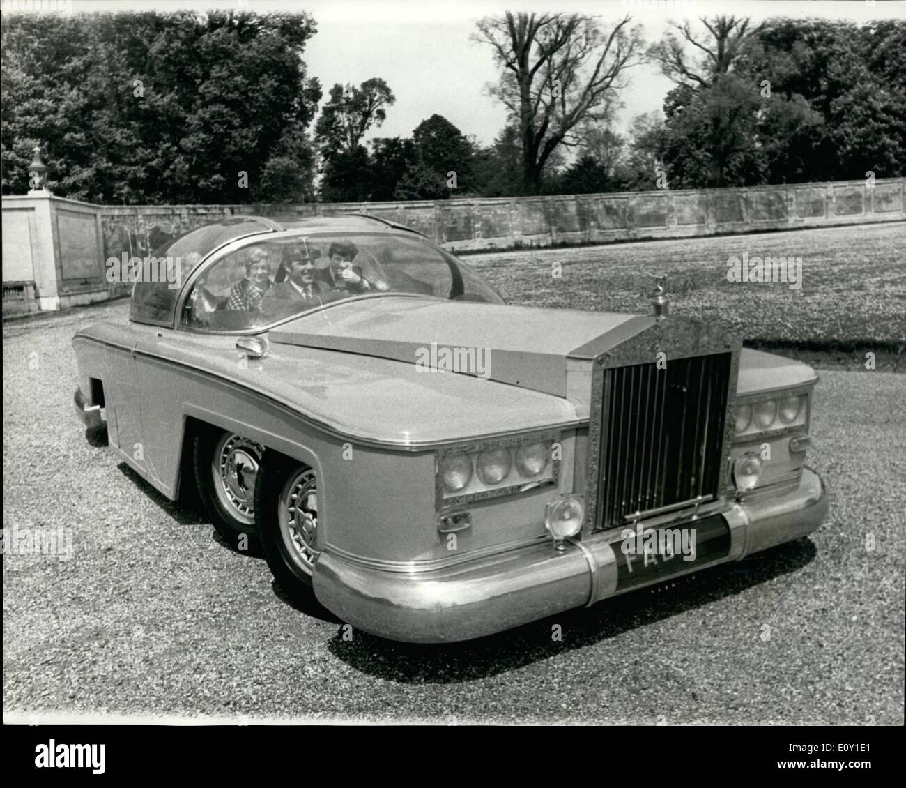 may 05 1968 the world 39 s biggest and most expensive car the stock photo 69435353 alamy. Black Bedroom Furniture Sets. Home Design Ideas