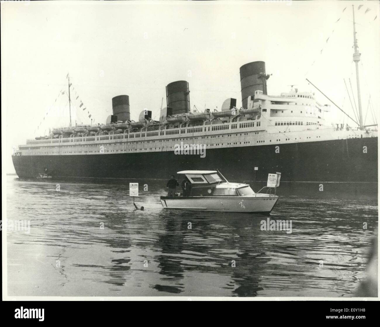 Mar. 03, 1968 - Queen Mary Strike Bound at Long Beach. None of the Queen Mary's countless Atlantic crossings - Stock Image