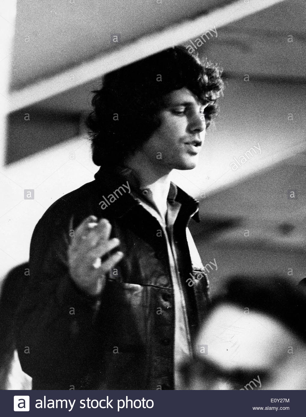 Aug 19 1968; New York NY USA; Lead singer JIM MORRISON of u0027The Doorsu0027 backstage at the Singeru0027s Bowl in NYC.  sc 1 st  Alamy & Aug 19 1968; New York NY USA; Lead singer JIM MORRISON of u0027The ...