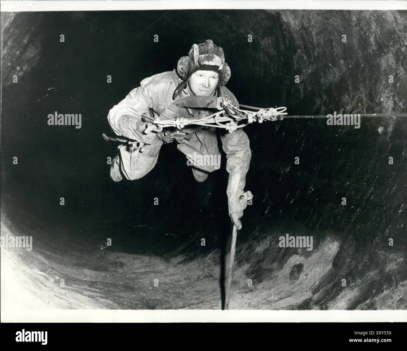 Nov. 11, 1968 - Searching deep well for NAZI archives. Members of the sports diving club Plazen (pilsen) are carrying - Stock Image