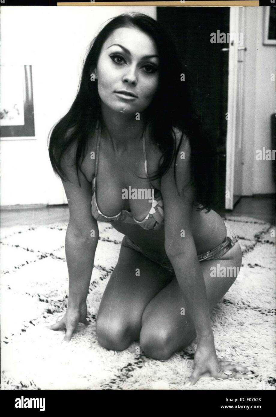 Dec. 05, 1968 - Sylvia Turbova will star in Peter Schamoni's ''Schmetterlinge Weinen Nicht.  U - Stock Image
