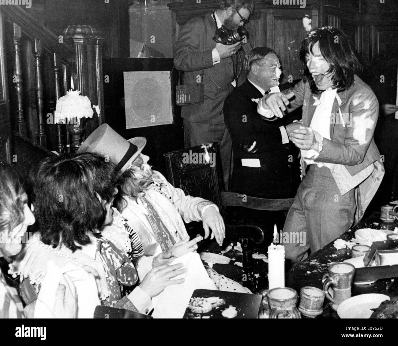 Mick Jagger and The Stones have cake fight - Stock Image