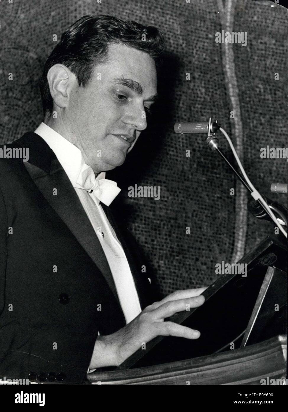 Dec. 10, 1968 - Dr. Marshall Nirenberg speaking at the Nobeldinner. Stock Photo