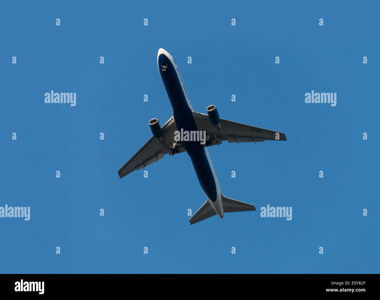 aeroplane boeing 757 landing at heathrow london england uk - Stock Image