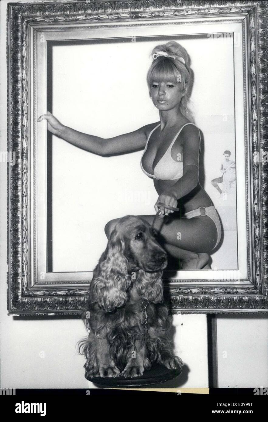 Aug. 25, 1969 - The Marcel Veronese conjured photo story ''Youpi und die Maedchen'' was shown at the Berlin Book Stock Photo