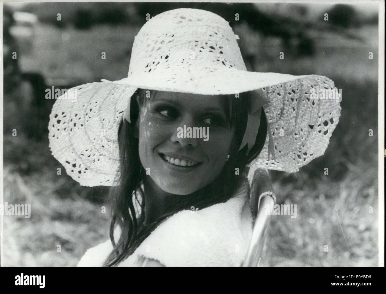 Stella Bonheur Hot nude Wendie Jo Sperber,Tricia Helfer CAN 2 1997-1998