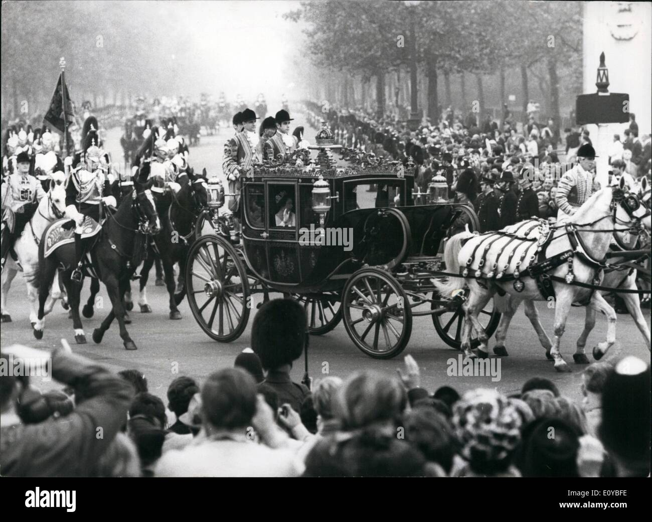 Oct. 10, 1969 - State Opening Of Parliament: Photo Shows The scene as the Irish State Coach containing H.M. The Stock Photo