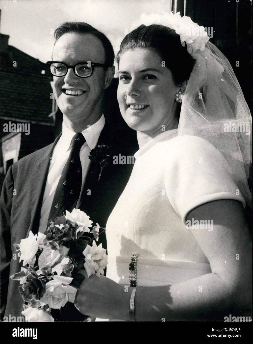 Oct 10 1969 A Roosevelt Weds London Girl Mr Philip James Stock