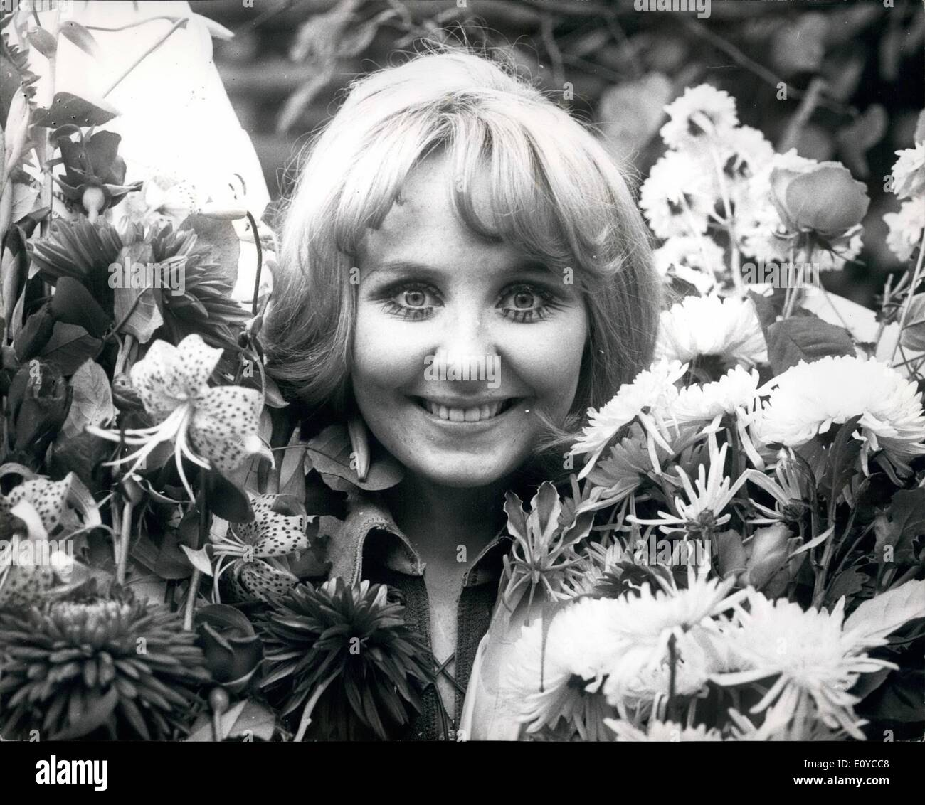 Nov. 11, 1969 - Pop Star Lulu Celebrates her 21st. Birthday Tomorrow; Lulu, the highly successful pop star, and wife of Maurice - Stock Image