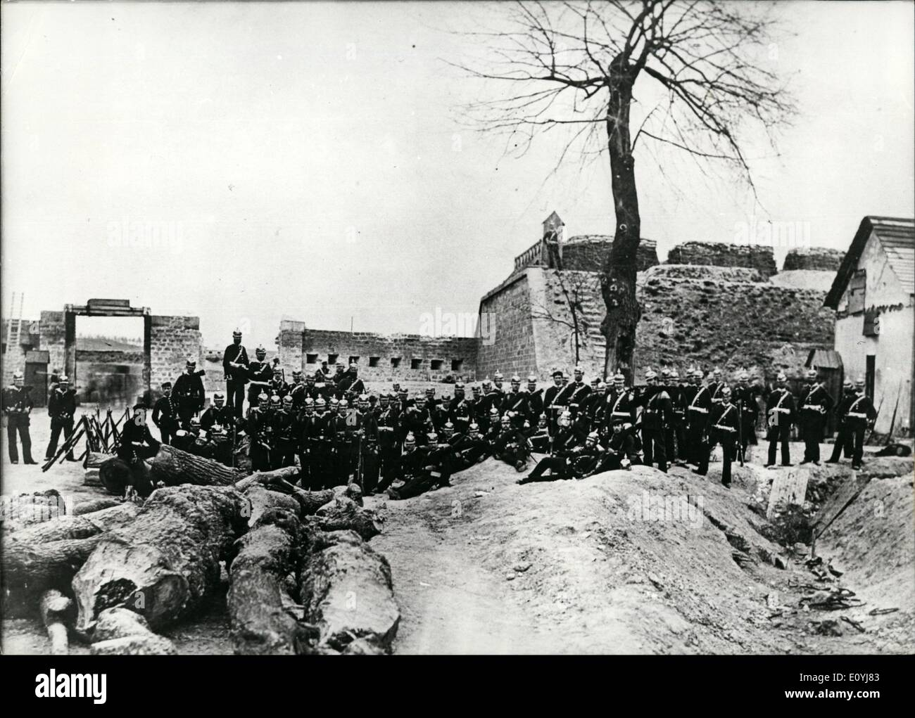 Jul. 07, 1970 - Franco-German War: On July 9th, 1870, France declared war to Prussia. The France Photo shows. Prussian artillery in St. Denis/ Fort Double Couronne. - Stock Image