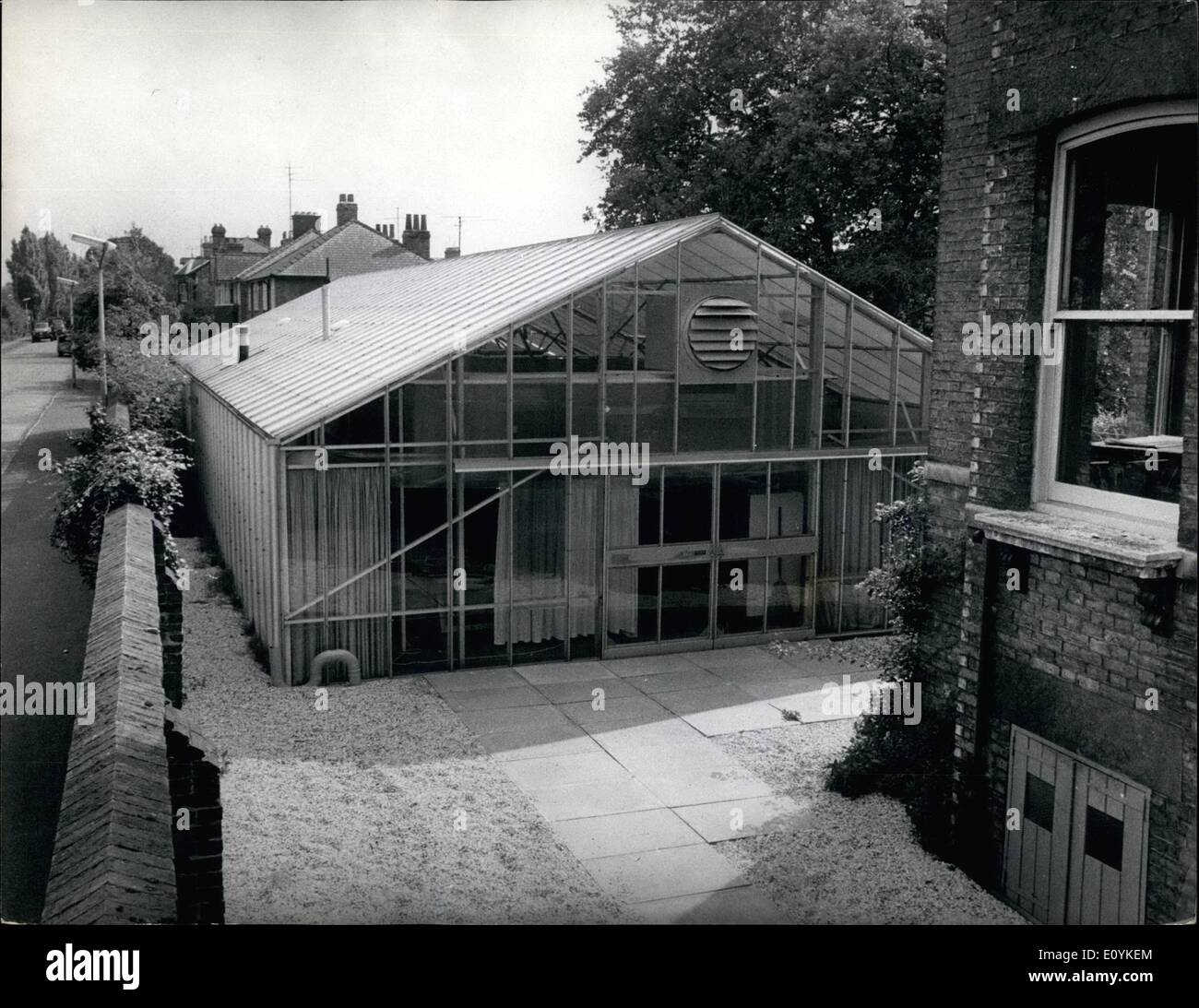 The glass house stock photos the glass house stock images alamy - Glass house show ...