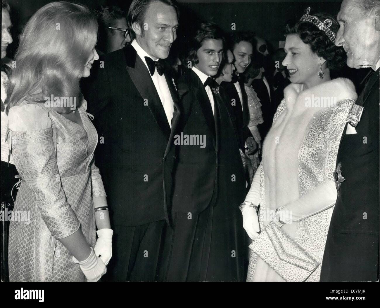 Oct. 10, 1970 - The Queen and Duke of Edinburgh attend premiere of 'Waterloo' at the Odeon Leicester square: This evening The Queen and the Duke of Edinburgh attended the premiere of the film 'Waterloo'' which stars Rod Steiger Christopher Plummer and Jack Hawkins in aid of Soldiers 'Sailors'' and Arman's Families Asation at the Leicester Square Odeon. Photo shows H.M. the Queen seen talking to Christopher Plummer who takes the part of the Duke of Wellington in the film next to him is his wife. - Stock Image
