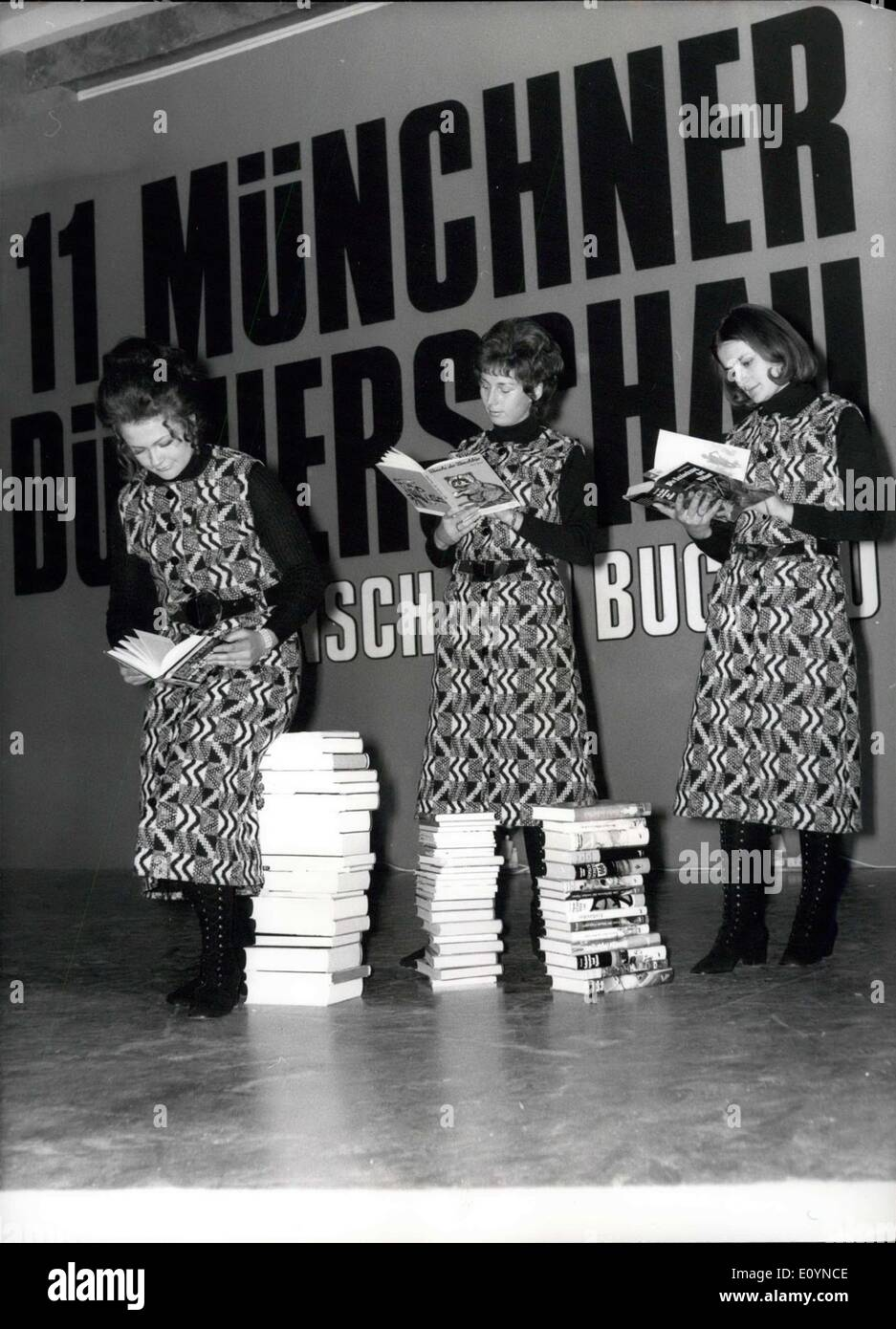 Nov. 23, 1970 - 11th book exhibition in the ''House of Arts'', Munich: On the book exhibition which will last from November 18th - December 6th in the ''House of Arts'', Munich (Germany), 7000 books out of the continuous sales program are offered. Apart from this immense selection the ''Munich's book exhibition of the Bavarian publishers and booktraders' offer an interesting program with a pop-performance, readings of authors, special exhibitions and for the youngest a Santa Clays-festival. Photo shows the ''Libresses'' are up to date likewise in literature and fashion - Stock Image
