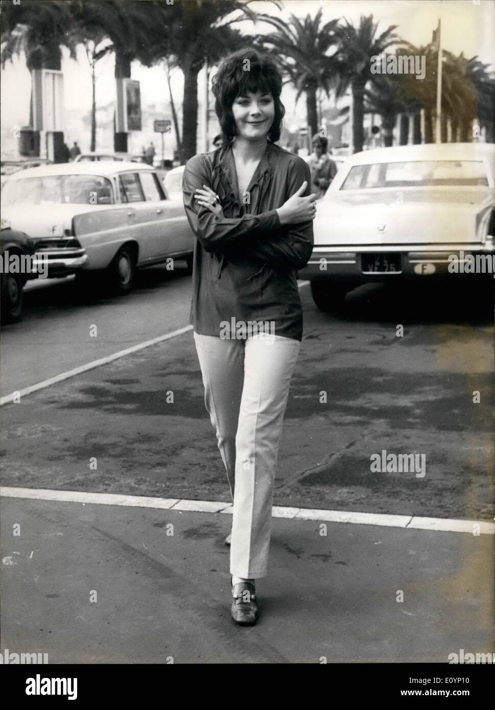 Jan 01 1971 linda thorson to present miden british actress 01 1971 linda thorson to present miden british actress linda thorson is now at cannes where she will present the two gala performances of the miden thecheapjerseys Image collections