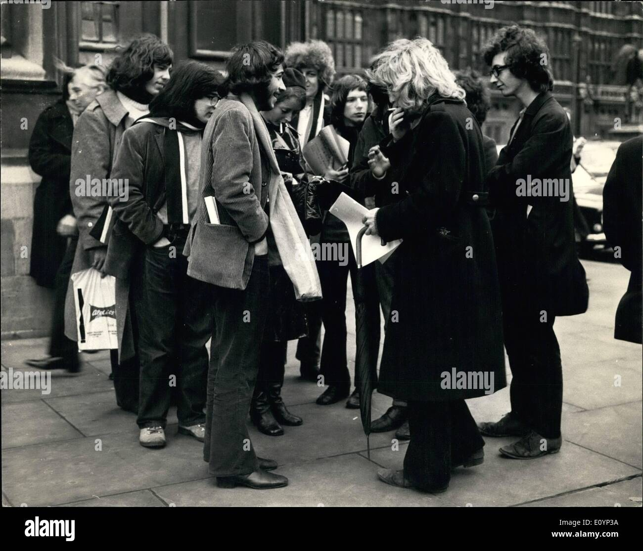 Jan. 01, 1971 - Students Lobby MPs over expulsion of Rudi Dutschke . Students from London University went to the House of Commons today, to lohbby MP's over the Government 's expulsion of Rudi Dutschke. Photo shows Students assembled outside the House of Commons before lobbying MP's today. - Stock Image
