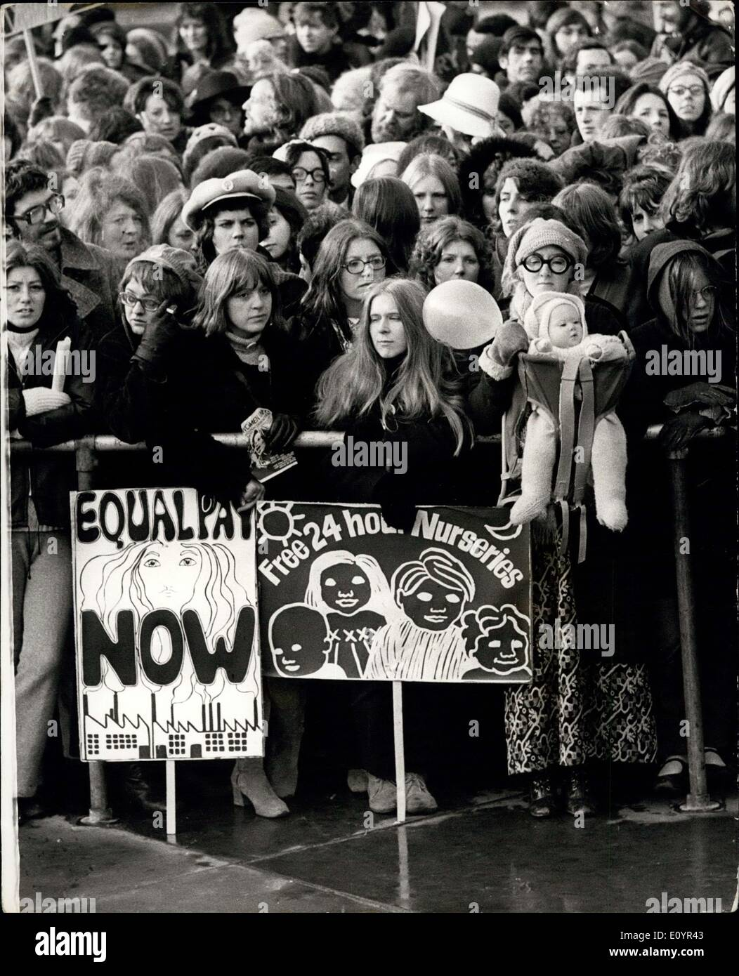 essay on womens liberation movement The second wave of women's movement which is also known as feminist movement or the liberation movement of women in the usa began during the early years of 1960s and lasted throughout the late 1980s.