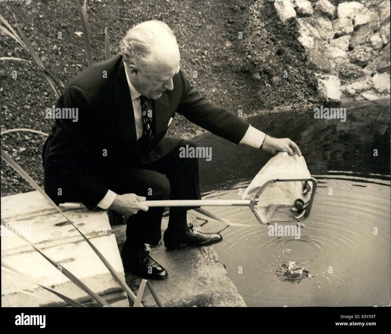 Sep. 09, 1971 - GLC Leader Opens Fish Experimental Unit: Sir Desmond Plummer, Leader of the greater London Council, today opened the GLC's Fish Experimental Unit at Deephams Sewage treatment Works, Edmonton. Sir Desmond placed the first fish into the unit. this unit will enable the study of the effluent as a food source for fish but more important will be an additional test of the purity of the effluent. it will also allow the GLC to test the build up of pesticides and mercury in living organisms, the fish as well as their food chain - Stock Image